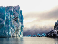 Glaciar y desprendimiento de hielo