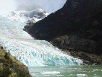 Glaciar Serrano, hielo y montaña