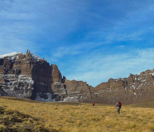 Trekking en Sierra Baguales, en la Patagonia