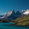 Vista del lago Pehoé y cuernos del Paine