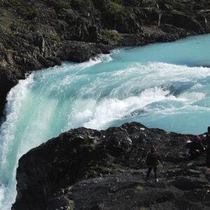 Salto en el Parque Torres del Paine
